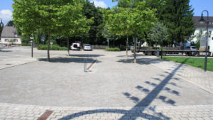 Eichenau bei München, Rathausplatz